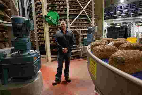 戴夫杀手面包的创始人如何从监狱以275万美元的价格出售自己的生意